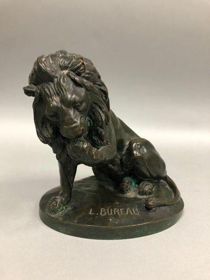 BUREAU Léon, 1866-1906,  Lion léchant sa...