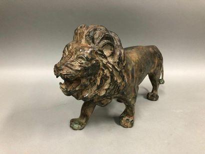 CHENÊT Pierre, XXe siècle,  Lion en marche,...