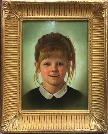 LORINCZ (XX)  Jeune fille souriante  Huile...