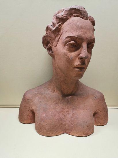 WEINBERG (XX)  Buste de femme en terre, signé...