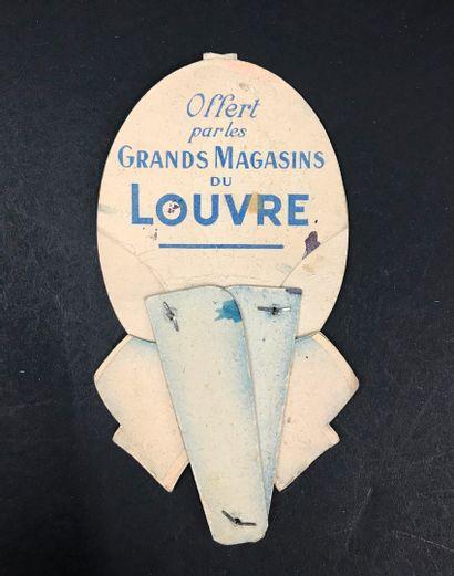 GRANDS MAGASINS - Grands magasins du Louvre  Rare éventail à système, en forme d'oeuf...
