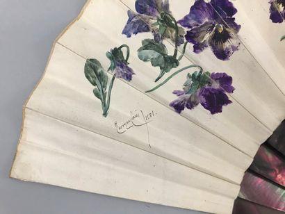 Georges Cain (1853-1919), Pensées, 1881  Éventail plié, la feuille en peau crème...