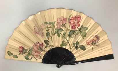 Roses en boutons, vers 1890  Grand éventail,...