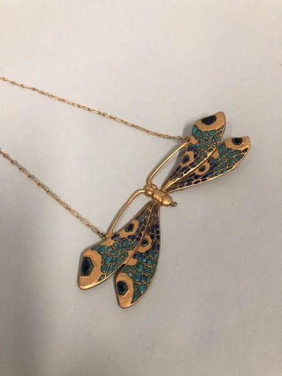 Collier en forme de libellule en métal doré et émaillé.  Vers 1930.  (Manque l'...