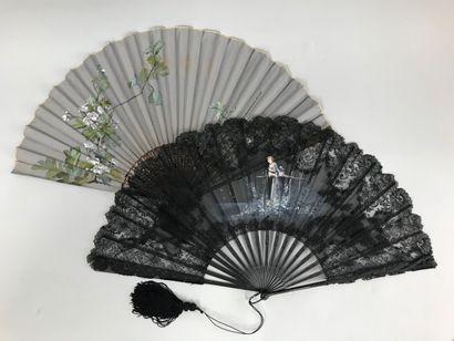 Quatre éventails, vers 1890-1900  Éventails...