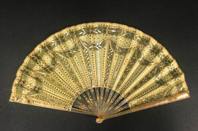 Esprit Empire, vers 1900  Petit éventail,...