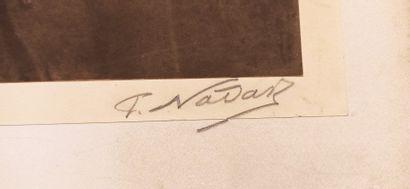 Héliogravure représentant un portrait d'homme en pied, signée.  Haut.: 71 cm - Larg.:...