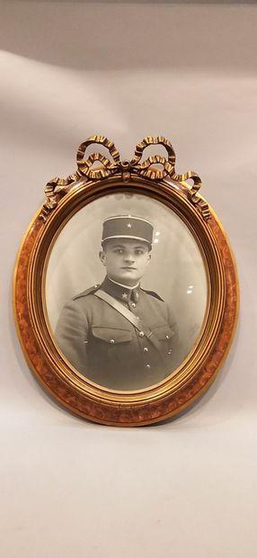 6 photographies rehaussées de militaires dont le colonel Joseph Marie David en 1931,...