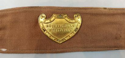 3 brassards de Réquisitions Militaires en toile brune avec tampon de réception des...