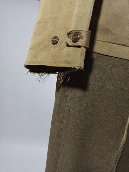 Uniforme de major de la 9th Air Force comprenant : une casquette en laine brune...