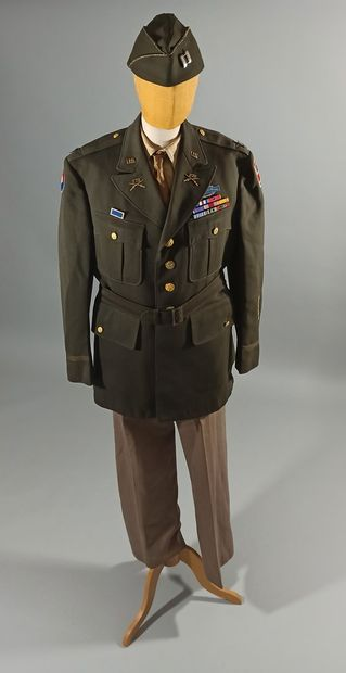 Uniforme de sortie de capitaine du 272nd...