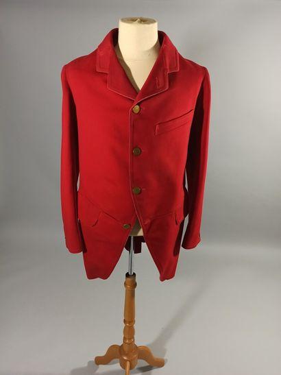 Veste de vénerie en drap rouge et boutons...