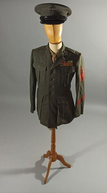 Uniforme de sortie de sergent de l'U.S.M.C....