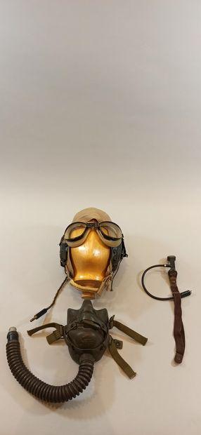 Ensemble pour pilote américain, un masque à oxygène type A-14, un serre-tête en...
