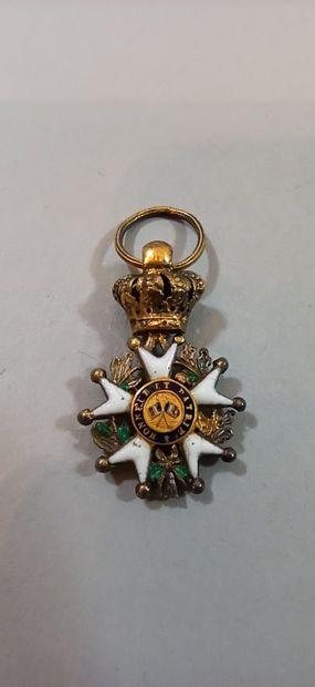 Croix de chevalier de la Légion d'Honneur  Argent, sans ruban.  Poinçon tête de...