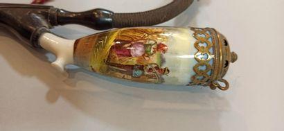 Lot de 2 pipes allemandes en porcelaine et pipe figurant une tête de turc en écume...