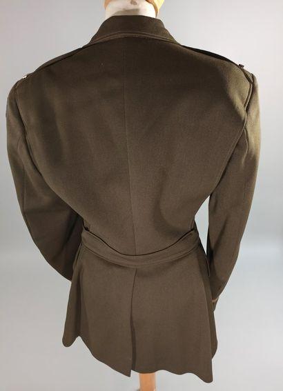 Lot de deux vestes d'uniformes de l'USAAF : une veste en laine 4 poches de staff...