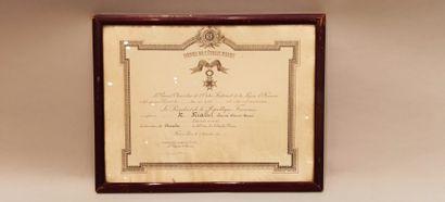 Lot de 4 diplômes dont 1 de l'Ordre de l'Etoile...