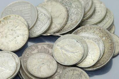 Lot de pieces en argent diverses.  Poids...