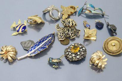 Pendentif coeur en lapis lazuli, la belière...
