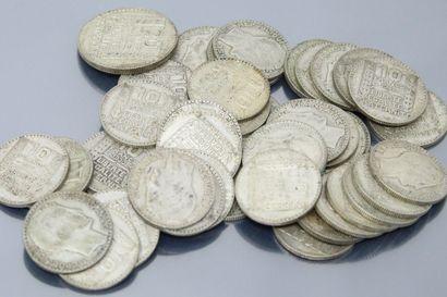 Pièces de 10 francs, et une de 20 francs...