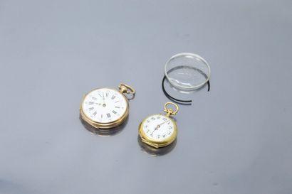 Deux montres de col en or jaune 18k (750)....