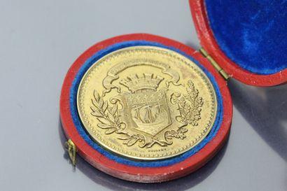 Rare médaille civile de récomprense en or jaune (916) remise à Monsieur Fisanne...
