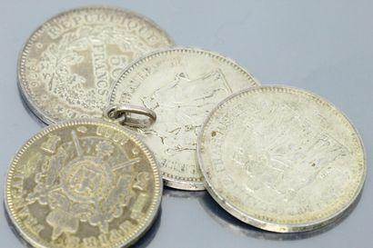 Lot de pièces en argent.  Poids brut : 115...