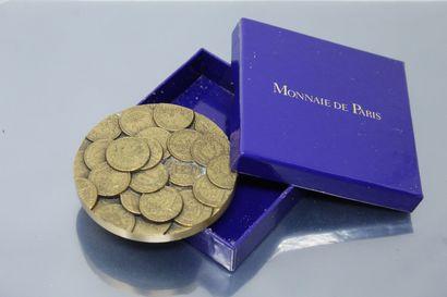 MONNAIE DE PARIS  Médaille en bronze.  Avers...