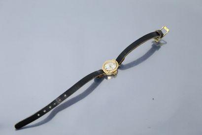 PARKER  Montre bracelet de dame en or jaune...