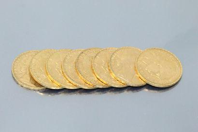 Lot composé de huit pièces en or de 20 francs...