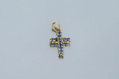 Croix de bébé, monture en or jaune 18k (750)...