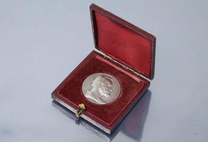 Médaille en argent,  Avers : profil droit...