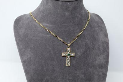 Pendentif croix ajouré en or jaune et gris...