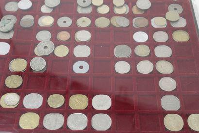 Important lot de pièces diverses françaises et étrangères.