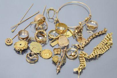 Lot de débris d'or jaune.  Poids brut : 102...