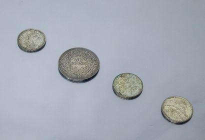Quatre pièces françaises en argent :  - 50...
