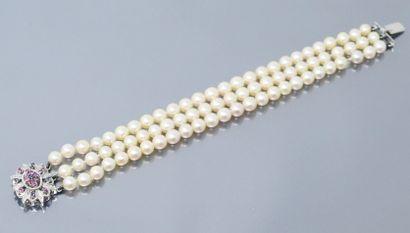 Bracelet trois rangs de perles de culture,...