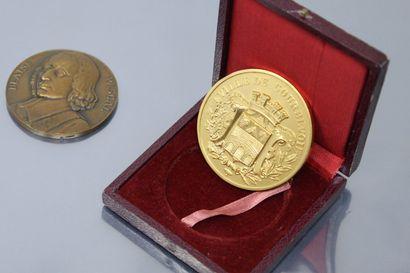 Deux médailles de table en bronze :  - BLAISE...