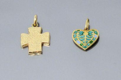 Deux pendentifs en or jaune 18k (750), l'un...