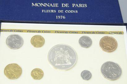 MONNAIE DE PARIS  4 coffrets fleurs de coins...