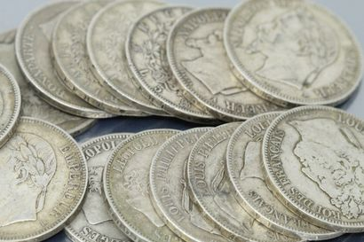Lot composé de pièces en argent de 5 Francs...