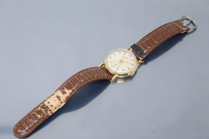 LIP  Montre bracelet d'homme, boîtier rond...