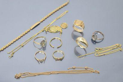 Lot de débris d'or 18k (750) comprenant des...