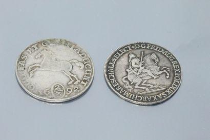 Lot composé de pièces en argent :  - Un 2/3...