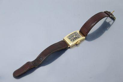LIP  Montre bracelet d'homme, boîtier rectangulaire...