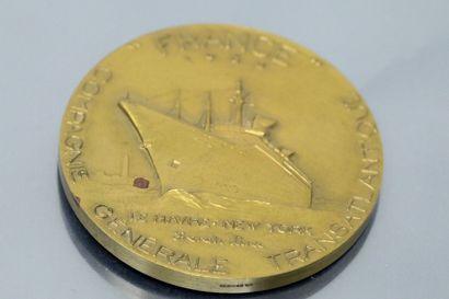 Compagnie Générale Transatlantique - Paquebot France  Médaille en bronze  Avers...