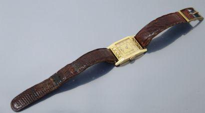 Montre bracelet d'homme, boîte rectangulaire...