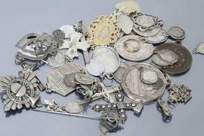 Ensemble de médailles religieuses de la seconde...