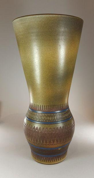 MAUREL René (1910 -1986)  Grand vase à décor...